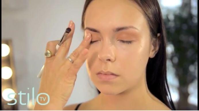MUA Justine Jenkins' Make Up Tips: Cappucino Day Look
